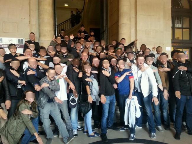 La Quenelle chante la Marseillaise face à la LDJ, la France se lève ! dans actu quenellegeante2-77dda